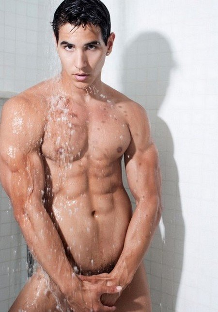 Sous la douche Hmmm dans Photos muscle-sous-la-douche-640x9143